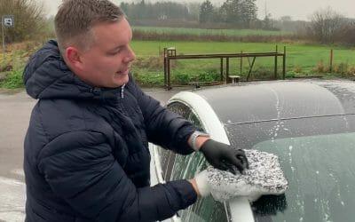 Bilvask i hånden
